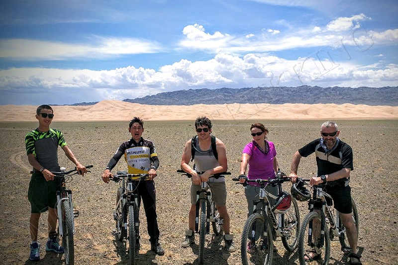 The Singing Dunes - Gobi Desert cycle tour