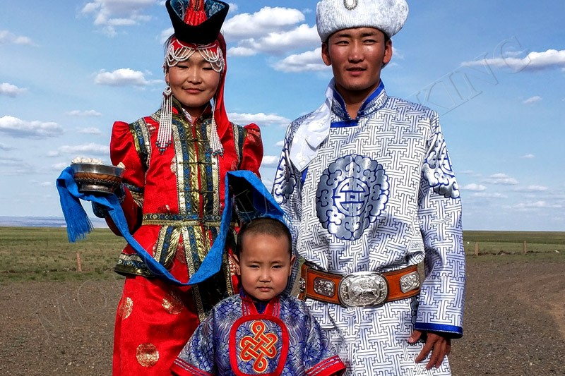Traditional reception - Gobi camel trekking tour