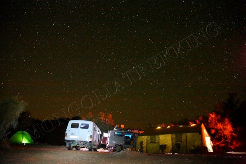 Camping under myriads of stars - Gobi & Beyond jeep tour